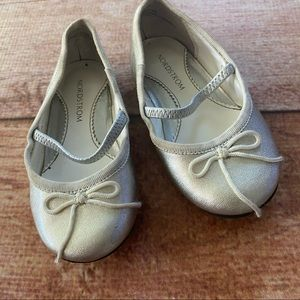 Nordstrom glittery gold baby shoes 6 1/2 M